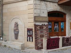 Fliegende Teppiche im Angebot in der Altstadt