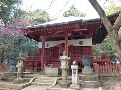Alter, kleiner Tempel auf dem Takao